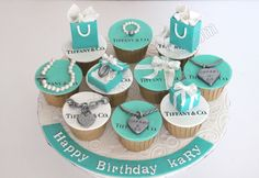 Tiffany & Co. Cupcakes co Tiffany Blue Cupcakes, Tiffany Blue Party, Tiffany Birthday Party, Tiffany Theme, Tiffany & Co., Tolle Cupcakes, Fun Cupcakes, Cupcake Cookies, Cupcake Fondant