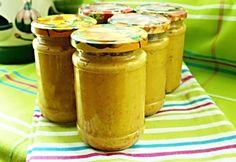 Další vyzkoušený recept paní Nadi, tentokrát na zeleninovou hořčici vyrobenou z cuket, hnědého cukru, česneku, feferonek, dijonské hořčice, koření ... a dalších surovin.