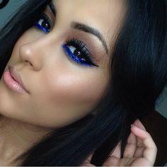 love the blue eyeliner