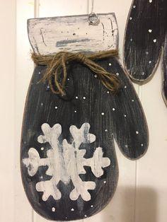 Rustic Mittens Winter Door Decor  Mitten by DivineDesignsbyGena