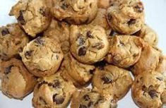 Maria's Nutritious and Delicious Journal: Peanut Butter Chocolate Chip Mini Muffins Mini Chocolate Chip Muffins, Mini Muffins, Chocolate Chip Cookies, Chocolate Chips, Low Carb Desserts, Low Carb Recipes, Real Food Recipes, Paleo Recipes, Peanut Butter Muffins