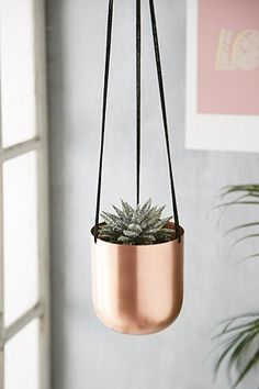 Blumentopf zum Aufhängen aus Metall - Urban Outfitters