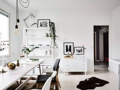 Dark & Light Home In Göteborg - Gravity