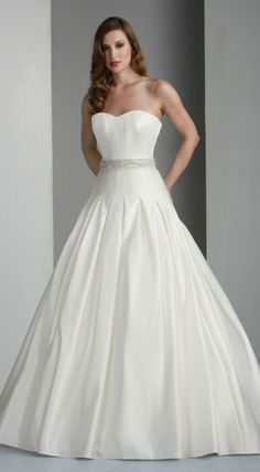 So beauti ful dress