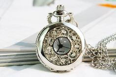 Remis en stock / Back in stock: Little silver pocket watch collar flower and vignes Steampunk Prix: # Pocket Watch Necklace, Silver Pocket Watch, Pocket Watch Antique, Old Pocket Watches, Cute Jewelry, Charm Jewelry, Silver Jewelry, Silver Ring, Jewelry Rings