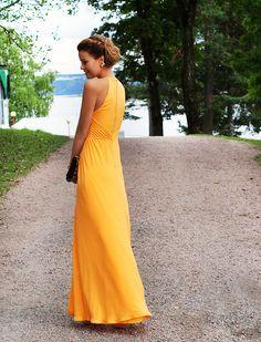 Nettenestea bryllup annette haga oransje kjole jersey hair hår oppsatt ted baker dress wedding look outfit leopard ysl clutch hvalstrand august mote blogg 2014