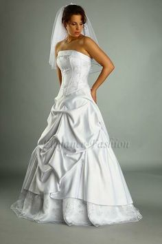 Brautkleid Kamila1 von Elegance-Fashion auf DaWanda.com