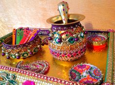 Mehndi Decoration Trays : An oil and mehndi tray for the rasam decor