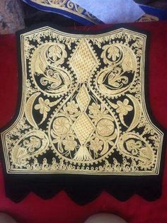 Gold Embroidery, Embroidery Designs, Gold Work, Linen Dresses, Fashion Wear, Fashion History, Traditional Dresses, Couture, Needlework