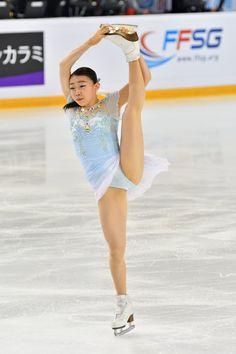 Ice Skating, Figure Skating, Female Volleyball Players, Ice Girls, Skate Girl, Sport Gymnastics, Body Photography, Women Figure, Curvy Girl Fashion