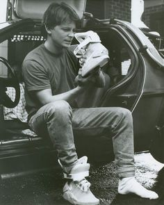 There's fly. and then there's Marty McFly. These Nike Back to the Future Sneakers are clearly the latter, the very same style worn by Michael J Fox in Nike Air Mag, Michael J Fox, Marty Mcfly, Movies And Series, Movies And Tv Shows, Science Fiction, Nike Free Run, Nike Running, Running Shoes