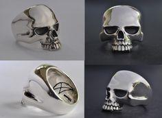 Large Evil Skull Ring - Crazy Pig Design