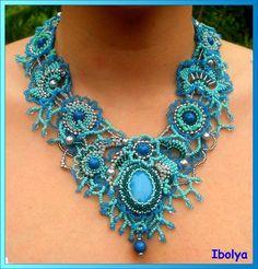 Freeform peyote necklace by Ibolya