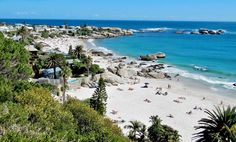 Cape Town's trendy bay is known for its many kiosks, restaurant and white sands Provence, Outfits Tipps, Clifton Beach, Table Mountain, Beautiful Places In The World, Romantic Getaways, Cape Town, Vacation Trips, South Africa