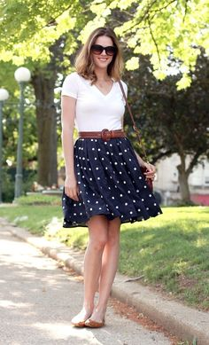 Pretty classy and flirty summer fashion.... to see more click on picture