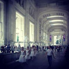 _anto_15 Scuola di danza alternativa #fashionmilan#ballerine#stazionecentrale#climamagico