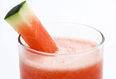 6 Drinks That Shrink Your Belly - : Image: Thinkstock http://www.fitbie.com/slideshow/6-drinks-shrink-your-belly