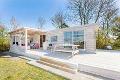 Sta-caravan make-over met veranda #stylen #pimpen #vakantiehuis #stoerbuiten