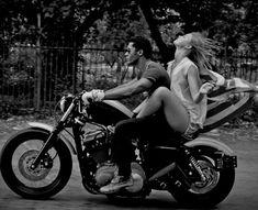 Motorcycle Couple Riding Motors 39 Ideas For 2019 Motorcycle Couple Pictures, Biker Couple, Motorcycle Travel, Motorcycle Outfit, Motorcycle Wedding, Motorcycle Girls, Biker Boys, Biker Girl, Virago 535