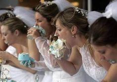 Its your wedding day... no need to act normal (25 photos)
