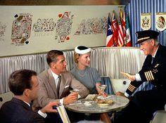 Des photos délicieusement vintage compilées par CNN, qui nous plongentdans l'âge d'or de l'aviation, à l'époque où les compagnies aériennes vendaient d