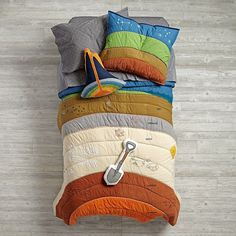 Shop To the Center of the Kids Bedding. Our To the Center of the Kids Bedding is a themed geology bedding featuring a multi-layered cross section of the earth& interior. Perfect for a boys& room. Unique Kids Beds, Science Bedroom, Earth Layers, Little Mac, Couture Vintage, Neutral Bedding, Kids Bedding Sets, Cool Beds, Baby Store