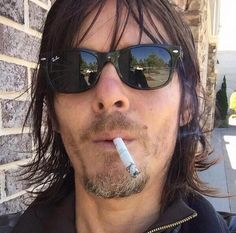 cigarettes, daryl dixon, norman reedus, smoking hot, twd