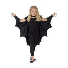 Show the batty side of your vampire costume this Halloween with these Child Vampire Bat Wings! Show the batty side of your vampire costume this Halloween with these Child Vampire Bat Wings! Halloween Wings, Halloween Fancy Dress, Batman Halloween, Halloween Costumes, Kids Bat Costume, Halloween Noir, Batman Costumes, 50s Costume, Hippie Costume