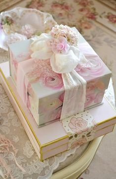 ana rosa and shabby chic Shabby Chic Blog, Shabby Chic Gifts, Shabby Chic Cottage, Shabby Chic Decor, Creative Gift Wrapping, Creative Gifts, Gift Wraping, Rose Cottage, Pink Christmas