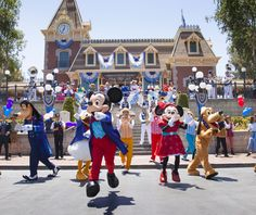 This Week in Disney Parks Photos: Disneyland Resort Celebrates 61 Years | Disney Parks Blog