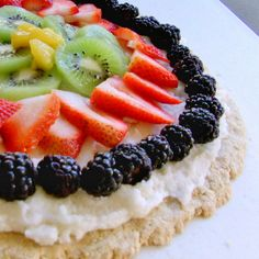 Fruit Pizza. Gluten free, dairy free. Calorie free, ok maybe not but delicious anyway. Lactose Free Desserts, Lactose Free Recipes, Fodmap Recipes, Muesli, Slimming World, Cheddar, Biscuits, Summer Dessert Recipes, Fruit Recipes