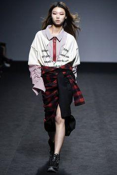 Fall Fashion 2016, Fall Fashion Trends, Runway Fashion, Fashion Show, Autumn Fashion, Fashion Outfits, Womens Fashion, Fashion Design, Style Fashion