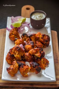 Tandoori gobi or tandoori cauliflower is my vegetarian take on the flagship recipe of Tandoori chicken and it proved to be totally mind-blowing! Gobi Recipes, Vegetable Recipes, Indian Food Recipes, Asian Recipes, Vegetarian Recipes, Healthy Recipes, Vegetable Ideas, Ethnic Recipes, Veggie Food