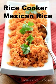 Rice Cooker Mexican Rice by Noshing With The Nolands - This side dish is easy to make and goes well with any Mexican meal.: Rice Cooker Mexican Rice by Noshing With The Nolands - This side dish is easy to make and goes well with any Mexican meal. Rice Cooker Recipes, Pressure Cooker Recipes, Crockpot Recipes, Cooking Recipes, Healthy Recipes, Healthy Snacks, Rice Dishes, Food Dishes, Mexican Dishes