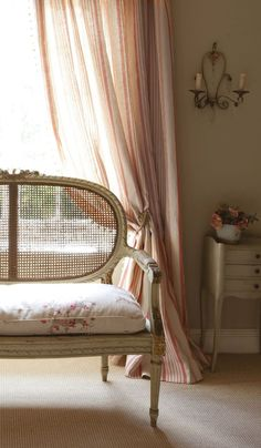 Eye For Design: Decorating With French Cane Settees