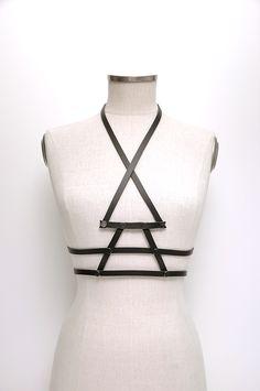 Aumorfia   Linear_A   V_bodybelt   black leather harness