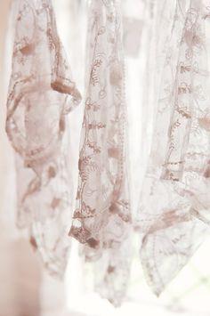 Bridesmaid Pretty Shrugs, Lottie Ettling Photography