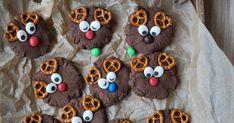 Rentier-Cookies | Rezept | Weihnachten | Backen | Kekse | Plätzchen Kakao, Diy And Crafts, Desserts, Food, Drinks, Chocolates, Reindeer Cookies, Pretzel Bun, Reindeer