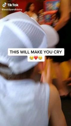 Stories That Will Make You Cry, Sad Love Stories, Happy Stories, Sweet Stories, Cute Stories, Human Kindness, Faith In Humanity Restored, Feel Good Videos, Funny Short Videos