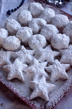 Omlós tészta New Karvalis Greek Sweets, Greek Desserts, Greek Recipes, Desert Recipes, Xmas Food, Christmas Cooking, Christmas Desserts, Christmas Treats, Kourabiedes Recipe