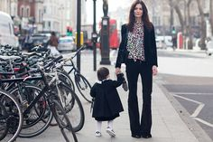 See Street Style photos from London Fashion Week February 2015 Fashion Editor, 70s Fashion, London Fashion, Fashion Photo, Street Chic, Street Style, Fashion Week 2015, Vogue Uk, Style Inspiration
