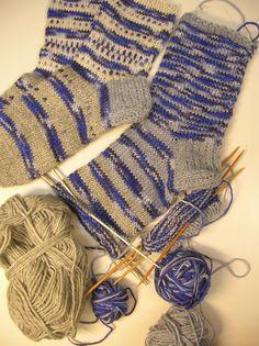 Fingerless Gloves, Arm Warmers, Socks, Fashion, Mittens, Hosiery, Moda, Fingerless Mitts, Fingerless Mittens