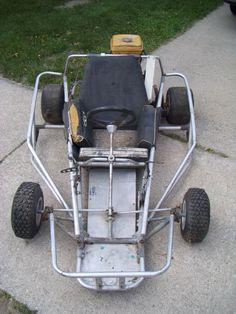 rare Blackhawk vintage racing kart on eBay - DIY Go Kart Forum Build A Go Kart, Diy Go Kart, Karting, Go Kart Designs, Offroad, 4x4, Homemade Go Kart, Go Kart Plans, Giant Bikes