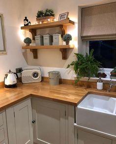 p/kitchen-design-ideas-kitchen-shelves-oak-kitchen-shelf-ideas - The world's most private search engine Home Decor Kitchen, Country Kitchen, New Kitchen, Kitchen Interior, Home Kitchens, Kitchen Dining, Cosy Kitchen, Kitchen Ideas, Kitchen Shelves