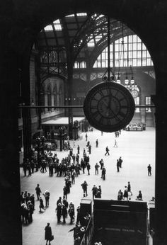 grand central station and the beginning of an exciting journey. (october 2014)