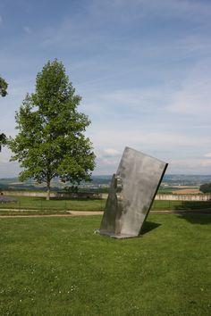 Sculpture de Manuel Torres Sculpture, Gardens, Towers, Radiation Exposure, Woman, Sculpting, Statue, Sculptures