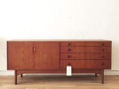 Aparador danés - The Nave - midcentury - aparador - sideboard - macintosh - wood - woodwork - madera - furniture - mobiliario - thenave - estilo - danes - decoracion