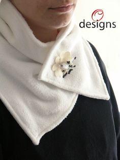 Handmade neck warmer made with fleece. Handmade Scarves, Men Design, Neck Scarves, Neck Warmer, Fleece Fabric, Knitwear, Women, Fashion, Accessorize Scarves