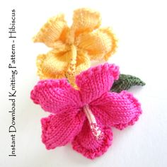 Instant Download PDF Knit Flower Pattern - Hibiscus Flower by ohmayzee on Etsy https://www.etsy.com/listing/193234972/instant-download-pdf-knit-flower-pattern