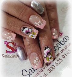 Gel esmaltado semipermanente Decoración con pinturas acrílicos Sandra Escobar Butterfly Nail Designs, Nail Designs Spring, Nail Swag, Nails Only, Pedicure Designs, Luxury Nails, Finger, French Nails, Nail Arts